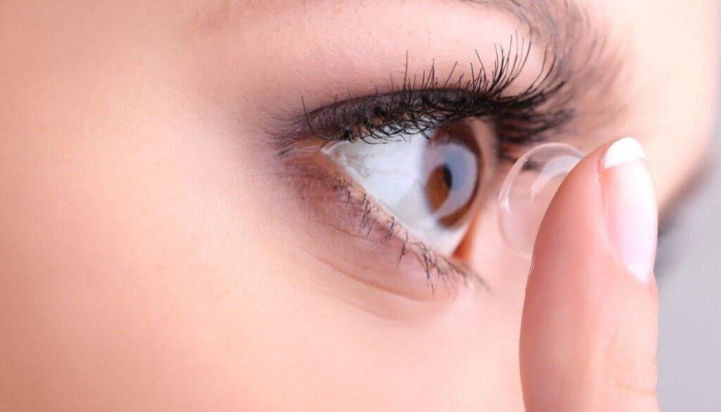 contact-lenses-blue-eyes-lens-insert-1050x675